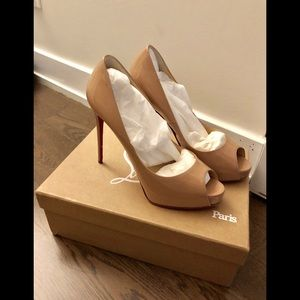 Louboutin New Very Prive 37.5